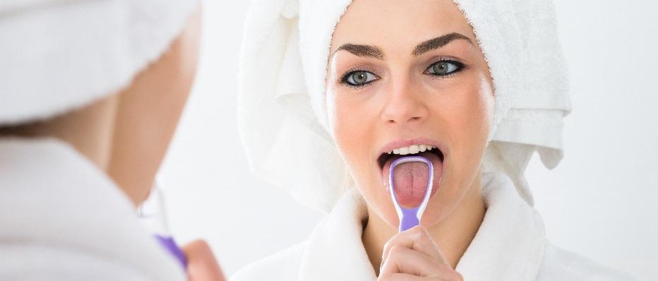 cómo limpiarse la lengua